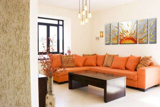 Decorating ideas for art in your home chris george homes - Plain wall decorating ideas ...